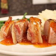 Delicious Pork Loin with Apricot Sauce perfect for a special lunch or dinner Avocado Recipes, Healthy Recipes, Starter Dishes, White Quinoa, Paprika Pork, Delicious Fruit, Pork Loin, Food Print, A Food