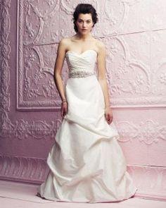 Paloma Blanca: Classics Collection - Style 4258