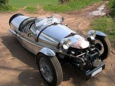 Pembleton Midlands. Chassis kits are built with donor parts from Citroen 2CV.  http://www.pembleton.co.uk