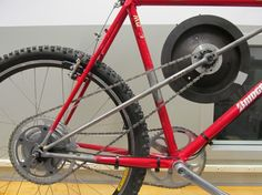 Maxwell von Stein's Flywheel Bicycle stores the power that would otherwise be wasted in th...