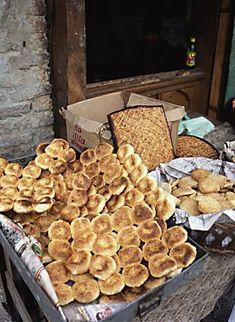 Srinagar Dal Lake Kashmiri bread kashmiri food Fine Art Photography copyright 2004 Brad Carlile Kashmiri Recipes, Indian Food Recipes, India Street, Kashmir India, Amazing India, Thing 1, Srinagar, World Recipes, Street Food