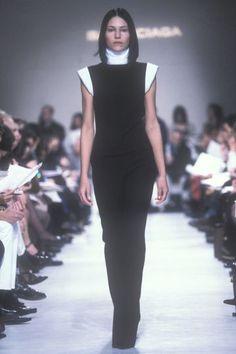 Nicolas Ghesquire for Balenciaga Fall/Winter Ying Gao, Teen Vogue Fashion, White Balenciaga, Nicolas Ghesquiere, Peplum Dress, Fall Winter, Autumn, Black And White, Evolution