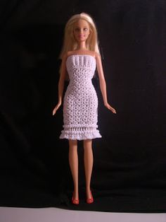 "Crochet for Barbie (the belly button body type): ""Winter Snow"" Barbie dress and cape/wrap - Free pattern"