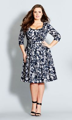 City Chic - FLICKER ROSE DRESS - Women's Plus Size Fashion - want for my winter wardrobe! - flower girl dresses, all women's dresses, ladies cocktail dresses *ad Vestidos Plus Size, Plus Size Dresses, Plus Size Outfits, Curvy Fashion, Plus Size Fashion, Girl Fashion, Womens Fashion, Style Fashion, Petite Fashion