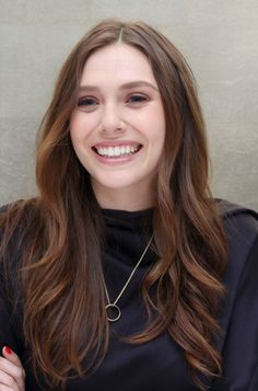 愼 ☼ ριητεrεsτ policies respected.( *`ω´) If you don't like what you see❤, please be kind and just move along. Elizabeth Chase Olsen, Elizabeth Olsen Scarlet Witch, Scarlet Witch Marvel, Olsen Sister, Actrices Hollywood, Elisabeth, Brown Blonde Hair, Art Design, Godzilla