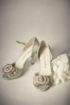 Beautiful bow heels