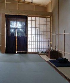 dojo - cloth doorways and rice paper sliding barriers Japanese Interior, Japanese Design, Gym Design, House Design, Karate Dojo, Home Gym Garage, Modern Entry, Community Space, Small Buildings