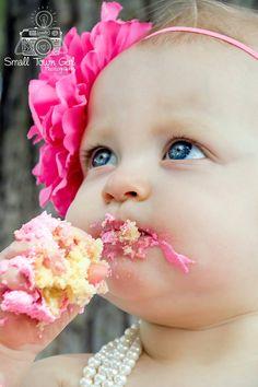 Child photography - kid - 1 year photo shoot - cake smash - outdoor session - Nikon d5300