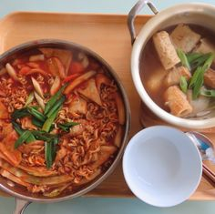 dduckpockji(spicy rice cake) and O-Dang(fish cake stew)