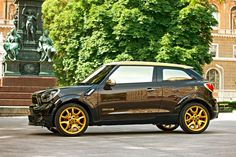 Mini teamed up with Italian fashion designer Roberto Cavalli to create a unique Paceman that has been auctioned at the Life Ball charity event. Roberto Cavalli, Mini Paceman, Charity Event, Black Side, Source Of Inspiration, Free Pictures, Cool Cars, Design Elements, Cool Photos