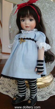 2010 Mia as Dark Alice by Lorella Falconi