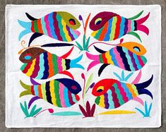Gorgeous Otomi embroidered textile from Tenango de Doria. Mexican Embroidery, Embroidery Patterns Free, Hand Embroidery Stitches, Crewel Embroidery, Embroidery Hoop Art, Mexican Textiles, Mexican Folk Art, Fish Art, Paper Crafts