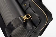 Aznom Carbon Gold Collection / Carbon Fiber & Gold Thread / Tre Tasche Bag #luxury #gold #bags #carbonfiber
