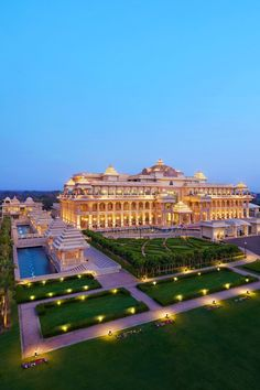 This palace features grand buildings, manicured gardens and soothing water features. Luxury Homes Dream Houses, Luxury Life, Dream Home Design, Modern House Design, Dream Mansion, Hotel Architecture, Mega Mansions, Modern Mansion, Dream House Exterior