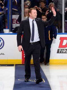 Martin Brodeur dropping puck at Blues game after retiring. Amazing goalie sad to see him go.