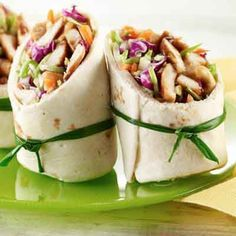 Teriyaki Chicken Wraps Cashews add crunch to these Asian-inspired wraps. - Cashews add crunch to these Asian-inspired wraps. Teriyaki Chicken, Teriyaki Sauce, Peanut Chicken, Buffalo Chicken Wraps, Asian Chicken Wraps, Ranch Chicken, Chicken Wrap Recipes, Good Food, Yummy Food
