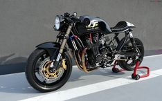 Honda Seven Fifty TT Edition Lukiracer // Honda CB 750 Seven Fifty Cb 750 Cafe Racer, Cafe Racer Honda, Cafe Racer Build, Cafe Racers, Cb 750 Seven Fifty, Cafe Racer Magazine, Cb750, Honda Cb, Scrambler