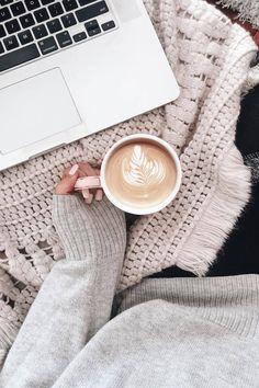 Punto Entrelac Bufanda Patrón de punto libre Coffee Break, Morning Coffee, Sunday Coffee, Cafe Rico, Netflix, Estilo Blogger, Coffee Photography, Coffee And Books, But First Coffee