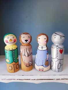 Peg Dolls Wizard of Oz Wood Peg Dolls, Clothespin Dolls, Doll Painting, Doll Quilt, Wooden Pegs, Little Doll, Waldorf Dolls, Doll Crafts, Wizard Of Oz