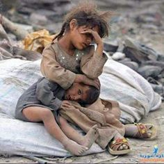 🙏🏽🙏🏽🙏🏽 Stop the Genocide in Aleppo. Pray for these Children. God bless them. Poor Children, Precious Children, Save The Children, Beautiful Children, Hungry Children, Mundo Cruel, Kinder In Not, Bless The Child, Innocent Child