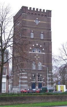 De oude watertoren in 's Hertogenbosch is nu in gebruik als kantoorruimte.