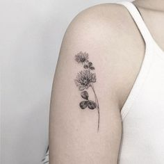 unique shamrock tattoos – Tattoo Tips Celtic Clover Tattoos, Four Leaf Clover Tattoo, Celtic Tattoos, Unique Tattoos, Small Tattoos, Cool Tattoos, Tattoo Ireland, Crysanthemum Tattoo, Thistle Tattoo