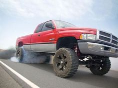 Reminds me of my dad old 98 dodge ram but lifted