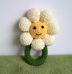 Items similar to crochet daisy rattle pattern on etsy - Babysachen Crochet Daisy, Crochet Baby Toys, Love Crochet, Crochet Dolls, Crochet Flowers, Baby Knitting, Knit Crochet, Crochet Zebra, Quick Crochet