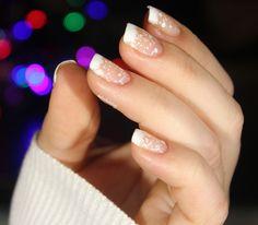Snowy nails christmas nails