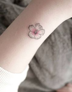 101 Tiny Girl Tattoo Ideas For Your First Tattoo #summervibes
