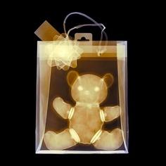 Cheating at Christmas. Haciendo trampa en Navidades: Usar rayos X para conocer tu regalo !:-)