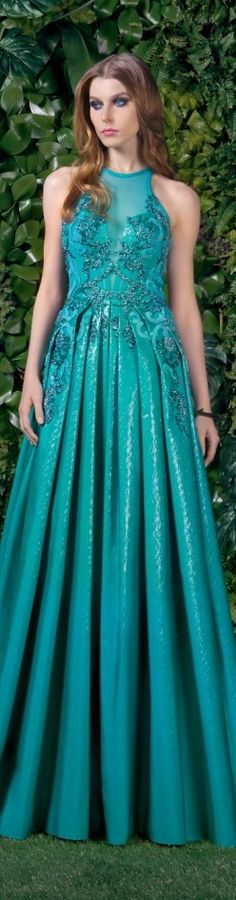 Dress for a Rivendell Elf Couture 2015, Couture Fashion, Runway Fashion, Love Fashion, Girl Fashion, Fashion Dresses, Green Fashion, Basil Soda, Turquoise Fashion