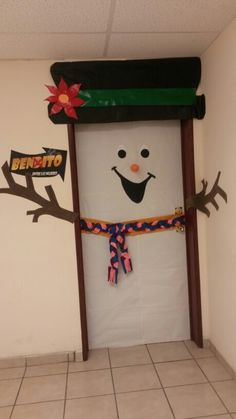 The 10 Best Creative Holiday DIY Decor. Touch the imagen for see more. Christmas Classroom Door, Christmas Room, Office Christmas, Christmas Gifts For Kids, Simple Christmas, Christmas Activities, School Door Decorations, Paper Christmas Decorations, Zeina