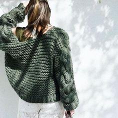 I Love Mr Mittens - Australian HeartWorking Knitwear Knit Fashion, Fashion Looks, Fashion 2017, Fall Fashion, I Love Mr Mittens, Big Knits, Chunky Knits, Chunky Sweaters, Warm Outfits