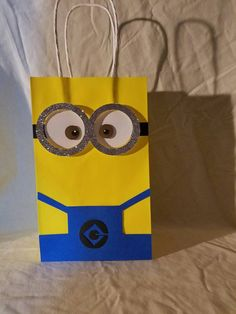 Wedding Favor Bags, Diy Wedding Favors, Party Favor Bags, Favor Boxes, Minions Birthday Theme, Birthday Fun, Baby Shower Centerpieces, Baby Shower Decorations, Minion Party Favors