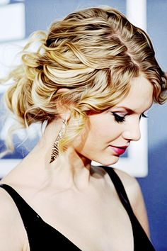 taylor swift, love her hairstyle