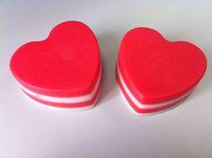 Jabones - Corazón de glicerina. Olor a cereza - hecho a mano por Lapompaquerie en DaWanda