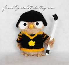 CROCHET - OWL - ice hockey owl