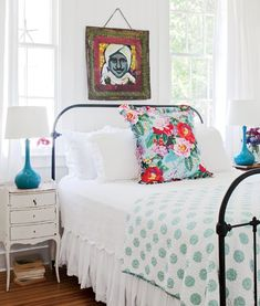 Beach Themed Bedrooms Ideas: Beach house bedrooms from our amazing beach house tours, as well as beach bedroom decor inspiration with an assortment of Beach Bedroom Decor, Beach House Bedroom, Bedroom Themes, Home Bedroom, Beach Bedrooms, Bedroom Designs, Cottage Bedroom Decor, Cottage Style Bedrooms, Bedroom Country