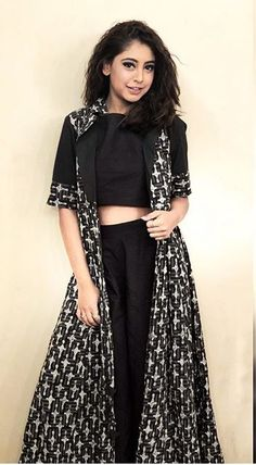 New Dress Design Indian, Dress Indian Style, Indian Fashion Dresses, Indian Designer Outfits, Girls Fashion Clothes, Woman Clothing, Indian Wear, Western Dresses For Girl, Stylish Dresses For Girls