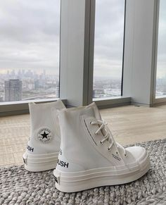 Converse X Ambush collab never gets old Cute Sneakers, Best Sneakers, Sneakers Fashion, Botas Grunge, Mode Converse, New Converse, Aesthetic Shoes, Fresh Shoes, Hype Shoes