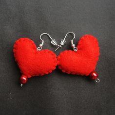 """""""Boucles d'oreilles, Coeur de feutre est une création orginale de TinyArt sur DaWanda - 4,23 EUR"""