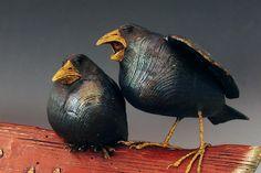 'Blackbirds' - by Peter Bretz - American Chestnut Carvings Crow Art, Raven Art, Sculptures Céramiques, Bird Sculpture, Ceramic Birds, Ceramic Animals, Popular Art, Arte Popular, American Chestnut