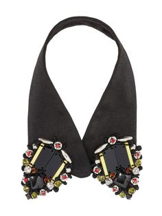 Fabric collar with beads in coloured glass. Italianist.com