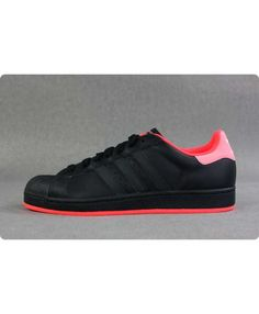 Adidas Superstar Mens Red, the pink colour make you cute and witty, Sale UK Addidas Shoes Mens, Adidas Sneakers, Nike Shoes, Red Fashion, Cheap Fashion, Adidas Superstar, Red Trainers, Adidas Tracksuit, Cheap Shoes