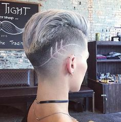 Here we have we collected most beautiful and trendy hair tattoo designs ideas for your inspiration. You can choose hair tattoos for next hairstyles. Girl Short Hair, Short Hair Cuts, Short Hair Styles, Short Hair Shaved Sides, Shaved Side Haircut, Edgy Pixie Cuts, Shaved Hair Women, Asymmetrical Pixie, Asymmetrical Hairstyles
