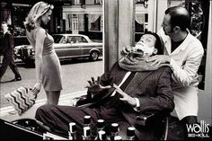 Wallis Dress to Kill ad campaign, 1997. The risk perception felt by the client, the strong attraction inspired by the woman and the barber's zoning out while handling the razor blade are the three main points in this still thriller