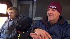 A well-mannered dog has charmed her fellow bus riders by using Seattle's transit system to get to the dog park.