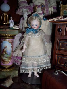 What a cupcake this large all-bisque, barefooted girl is to see! #DollShopsUnited