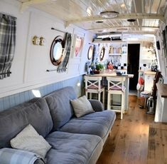 RW Davis 62 Traditional for sale UK, RW Davis boats for sale, RW Davis used boat sales, RW Davis Narrow Boats For Sale Beautiful Trad - Apollo Duck Van Living, Tiny House Living, Home And Living, Tiny Apartments, Tiny Spaces, Small Space Living, Living Spaces, Houseboat Living, Houseboat Ideas